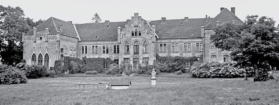 Stowarzyszenie Historyków Fotografii - W. Heym, Pałac w Łęgowie, ok. 1930 r. (Muzeum w Kwidzynie).